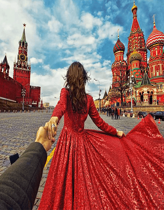 Paint by Numbers Kit Traveling Woman Moscow - Paint By Numbers Kit Shop